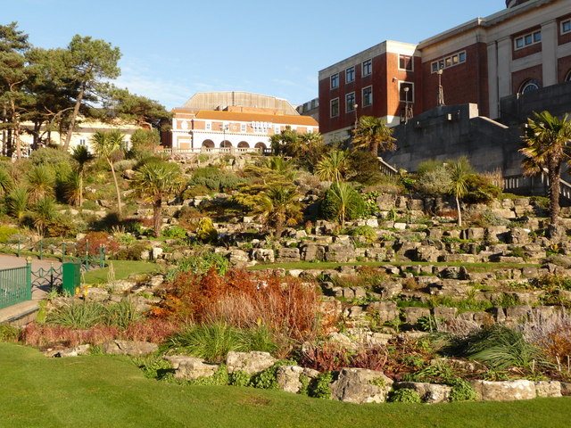 Bournemouth: rockery in the Lower Gardens by Chris Downer is licensed under CC BY-SA 2.0