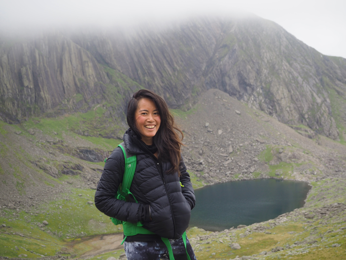 Dee May Tan climbs Mount Snowdon