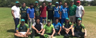Indian and Pakistani scholars play cricket