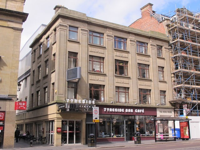 The Tyneside Cinema and Tyneside Bar Cafe by Mike Quinn | CC 2.0