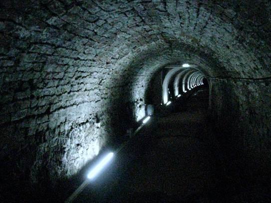 Victoria Tunnel by CDC | CC 2.0